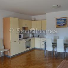 Baska Voda, apartment with parking in garage